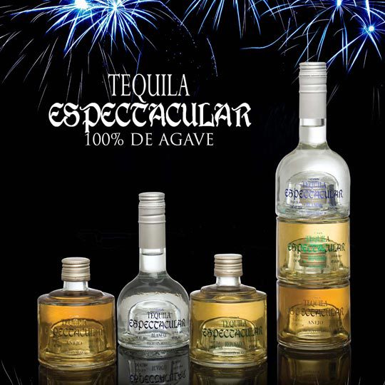 SPECTACULAR As its name says Spectacular is a 3 in 1 bottle with the 3 main types of Tequila so that our consumers have the opportunity to taste all our representative Tequilas on special occasions. It is a soft tequila with flavors based on herbs and fruits, but with a nice note of cooked Agave, always on the side of our artisanal process.