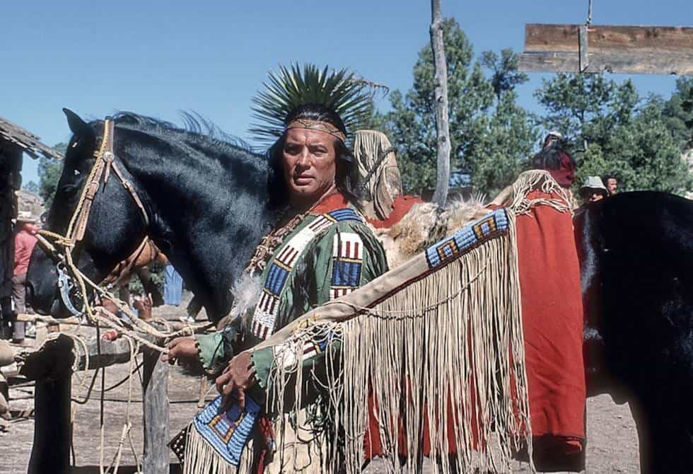 Apaches perform different ceremonies to have reconciliation and reunion with the land, as their ancestors did. Image: El País