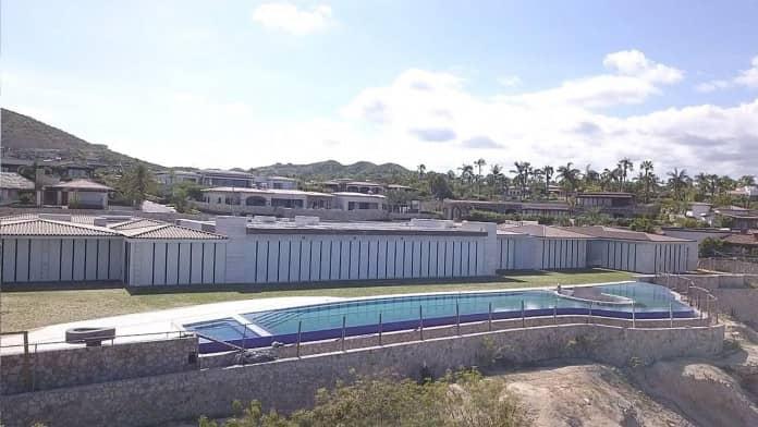 Aussie tycoon debuts mega mansion in Los Cabos.